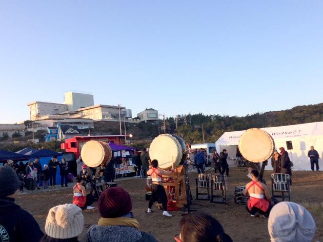犬吠埼で大太鼓のパフォーマンス