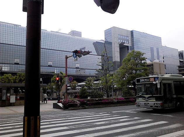 早朝5時の京都駅