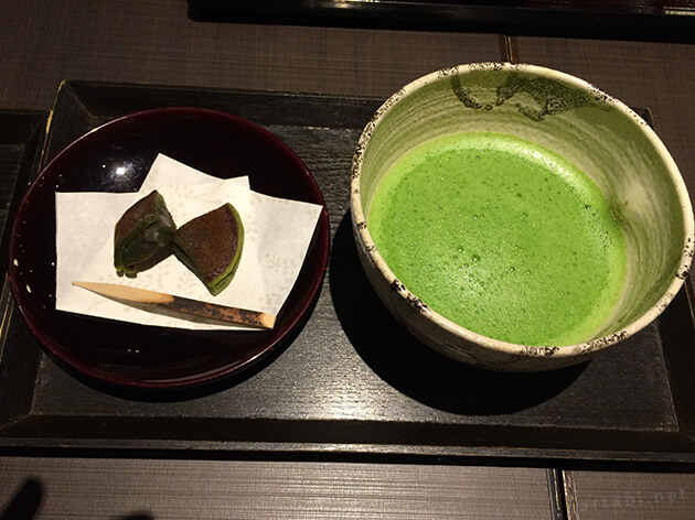 茶寮翠泉のお抹茶と和菓子