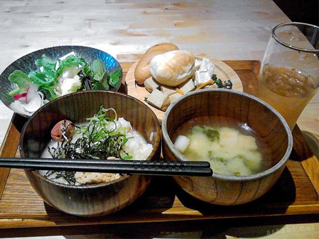 都野菜 賀茂で朝食を食べる