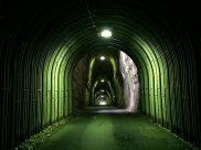 養老渓谷 2階建てのトンネル
