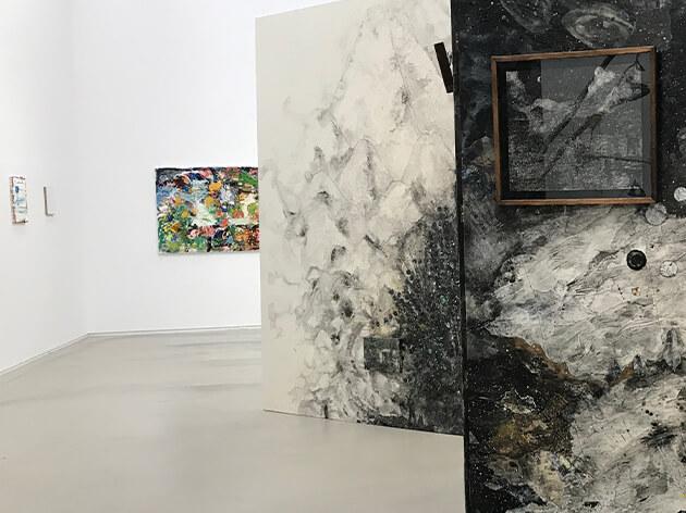 「2020年のさざえ堂―現代の螺旋と100枚の絵」展示の一部分